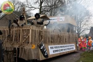 Eerste prijs praalwagens: Inboorlingen